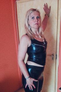 Vicky szexpartner +36 70 271 6897 fénykép 140.